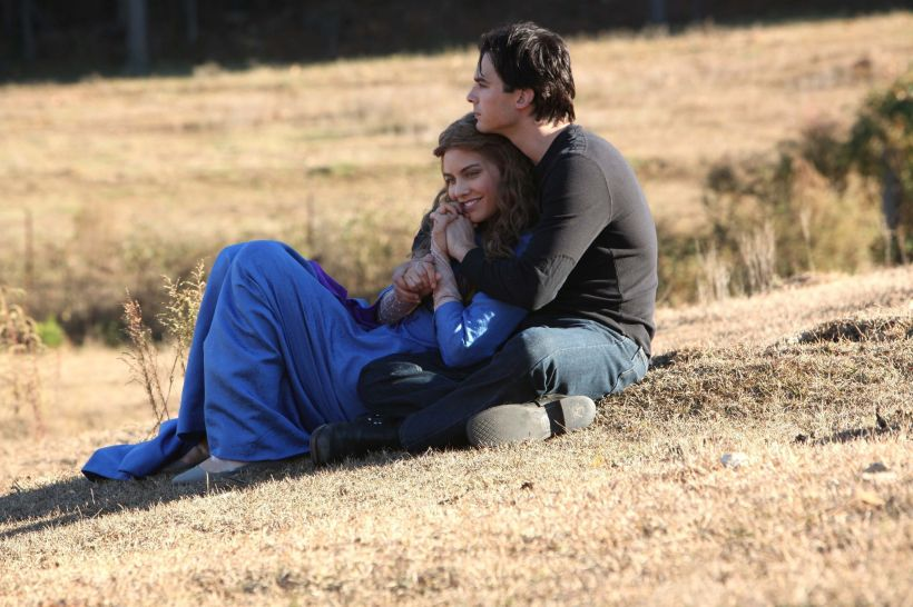 2x12-The-Descent-damon-and-rose-20460735-2048-1365