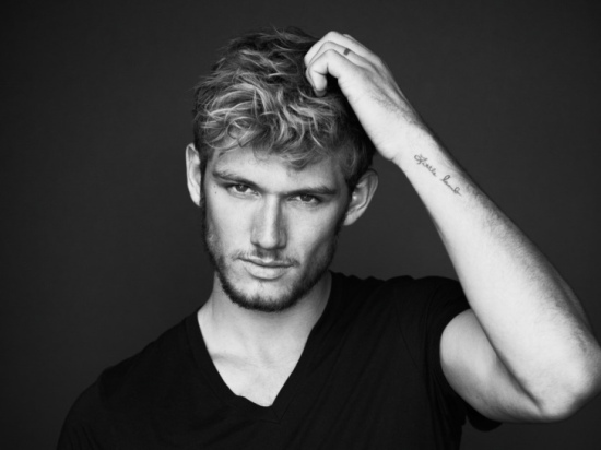 Gus-Van-Sant-Shoots-Love-Scene-with-Alex-Pettyfer-for-Fifty-Shades-of-Grey-2